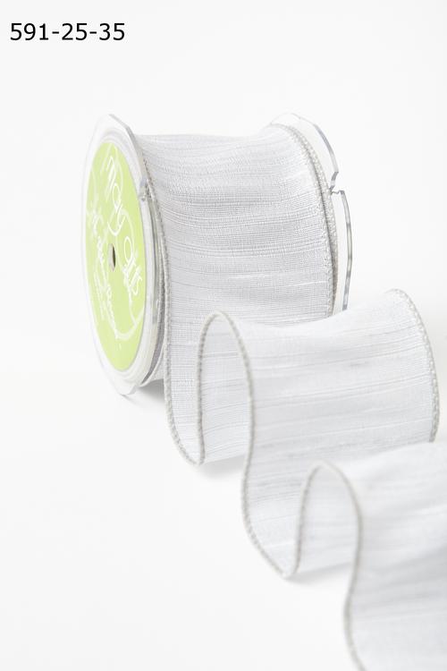 Лента от May Arts. Текстурная лента. Ширина 6,35 см. Белый