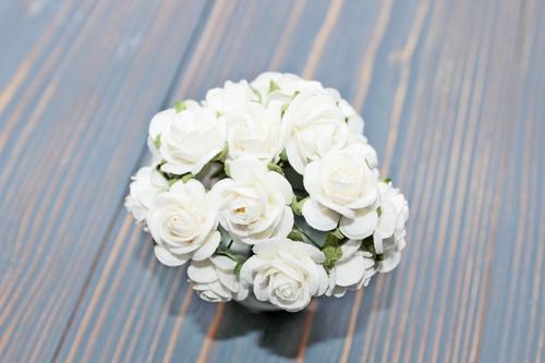Розы 20 мм, белые 5шт.