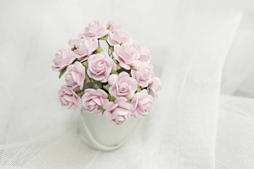 Розы 15 мм, светло-розовые 10шт.