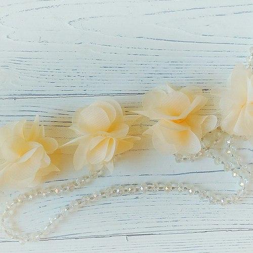 Шифоновые цветы бежевые