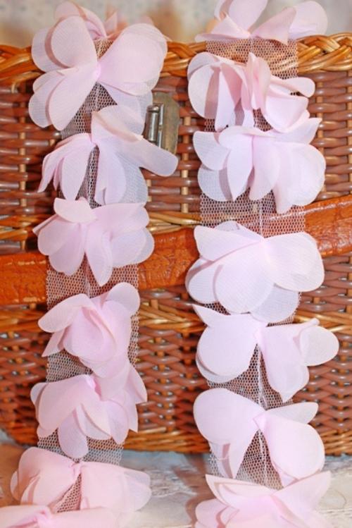Шифоновые цветочки на сетчатой ленте. 3D кружево Розовые